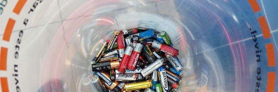Baleares instalará 450 nuevos contenedores para el reciclaje de pilas en comercios