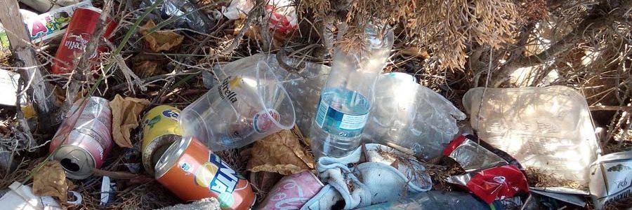 Un informe estima en hasta 744 millones de euros anuales el coste para los españoles de los residuos de envases abandonados
