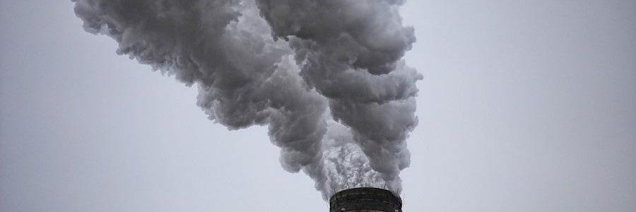 Las leyes ambientales estrictas 'empujan' a las empresas a contaminar en otros países