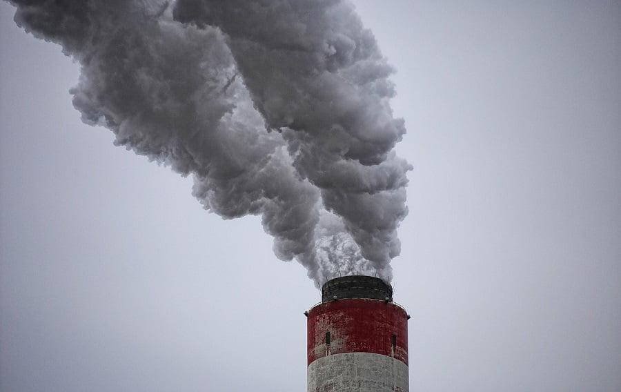 Leyes estrictas ambientales llevan a las empresas a contaminar en otros lugares