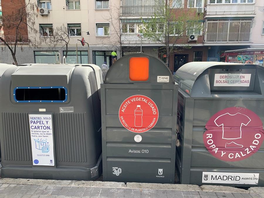 Contenedor de aceite de cocina usado en Madrid