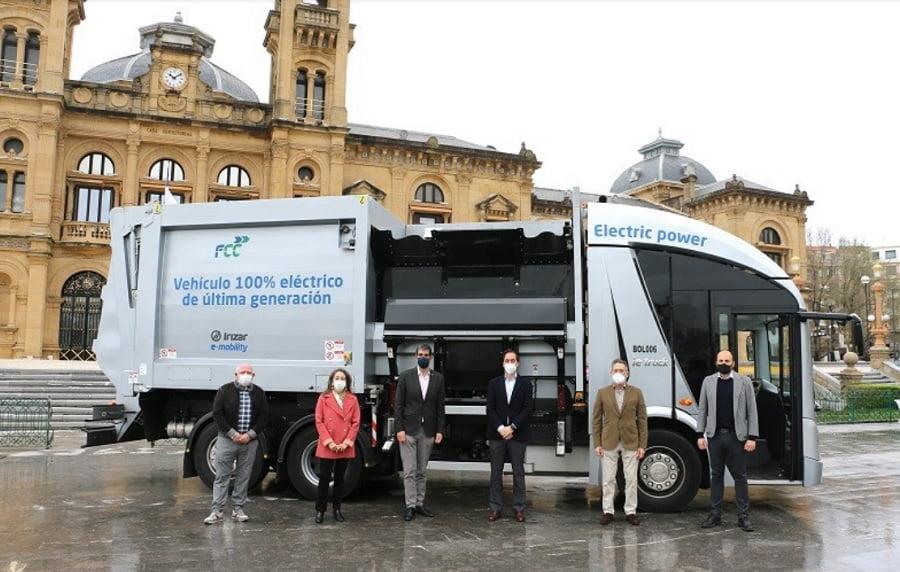Donostia prueba un camión eléctrico para la recogida de residuos