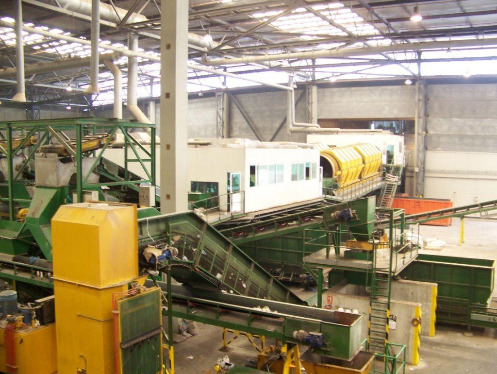 Clasificación de plástico film en la planta de reciclaje de Villena