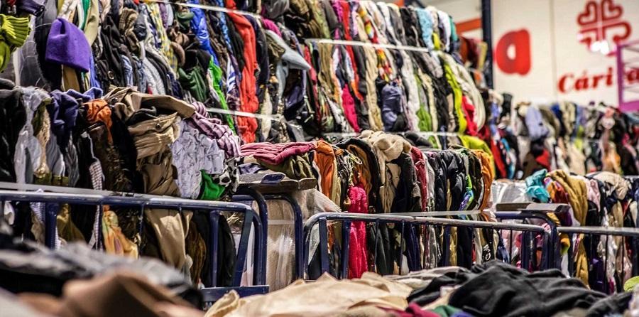 Informe de Cáritas sobre la reutilización y reciclaje de residuos textiles