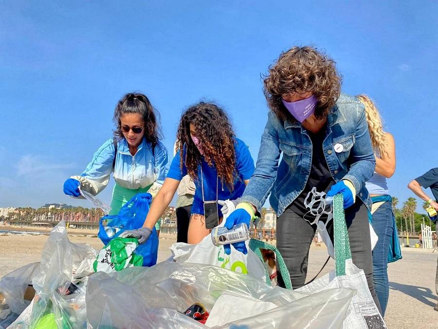 Cataluña prepara una ley para reducir los envases de plástico