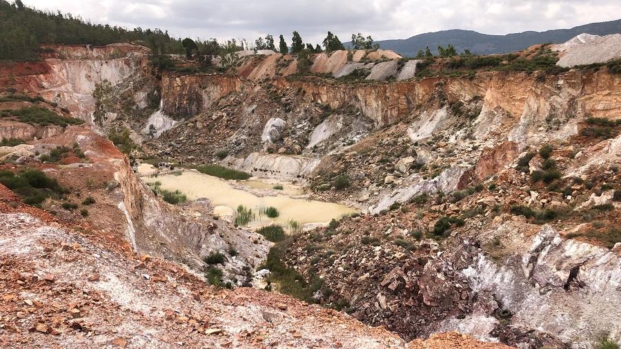 Proyecto para rellenar un hueco minero con residuos industriales no peligrosos