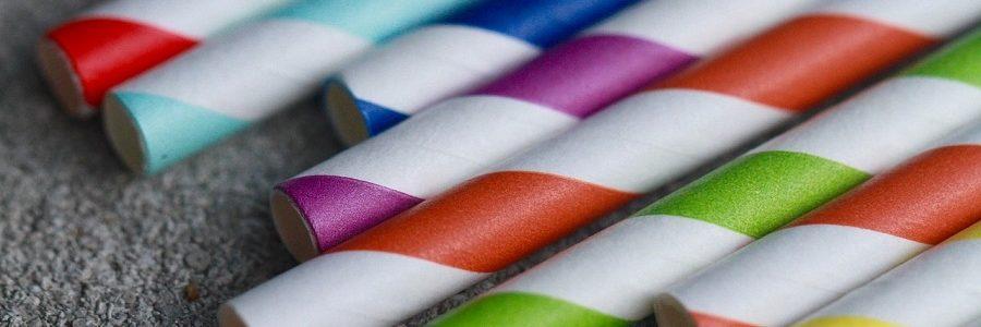 ¿Qué materiales son adecuados para sustituir a las pajitas de plástico?