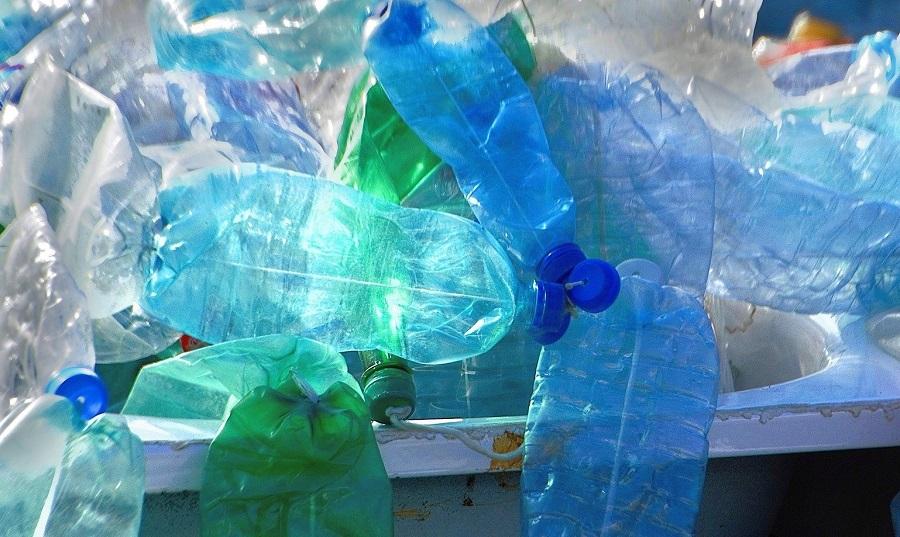 Utilizan bacterias para reciclar residuos plásticos
