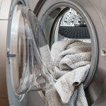 Proponen un método para convertir pelusas de ropa en productos energéticos