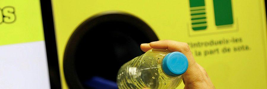 Los parques de ocio de Madrid contarán con máquinas de Reciclos que premian el reciclaje