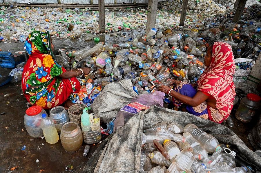 Descubren una ruta ilegal de residuos plásticos hacia el Sudeste Asiático
