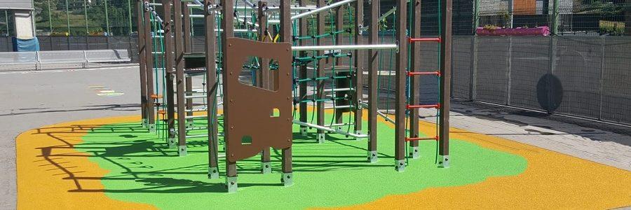 Jolas convierte 350.000 kilos de plástico reciclado en parques infantiles