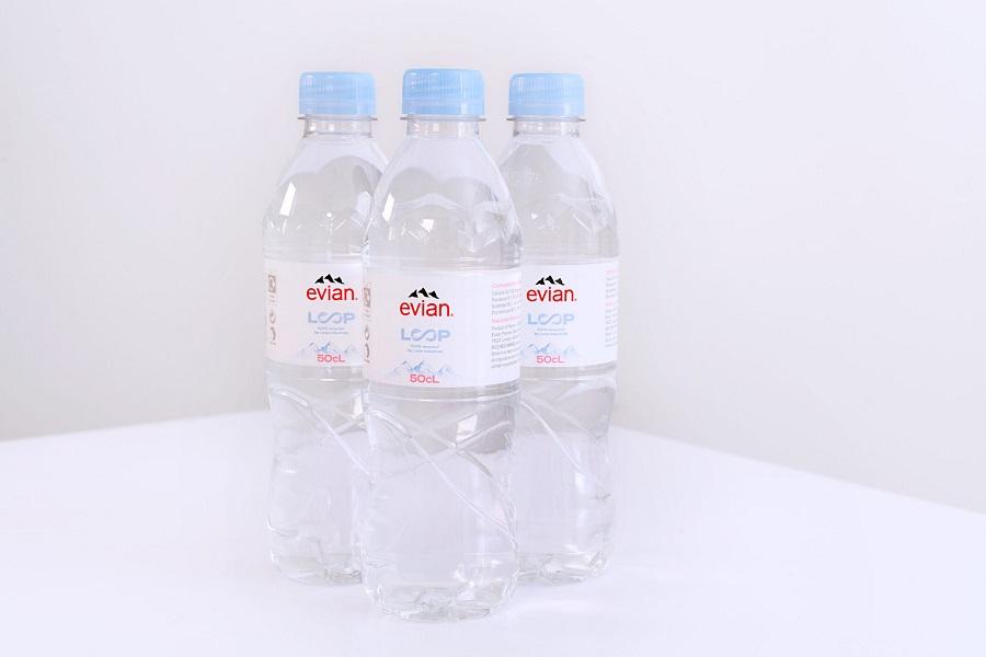 Botellas de Evian de PET 100% reciclado