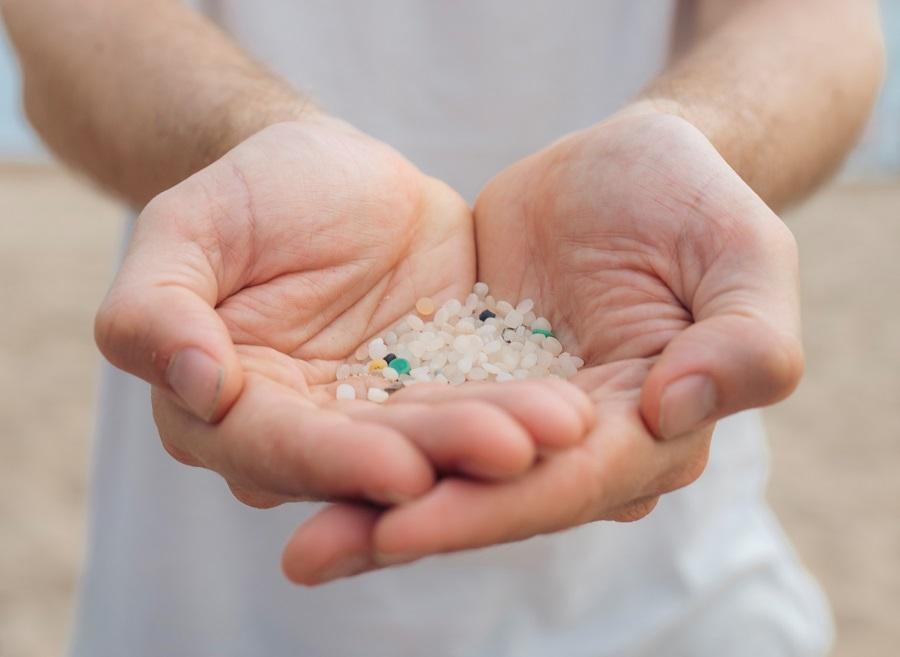 Denuncian en un documental la contaminación del Mediterráneo por microplásticos