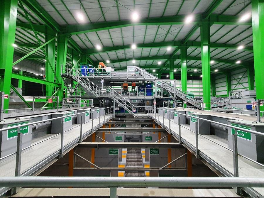 STADLER pone en marcha la planta de transferencia de residuos más grande de Latinoamérica