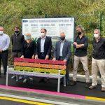 Inaugurado en Donostia un tramo de acera construido con 50.000 botellas de plástico recicladas