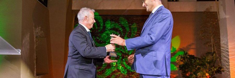 """FER concede a UNE el premio """"Madre Tierra"""" por su respuesta clave para vencer a la COVID-19"""