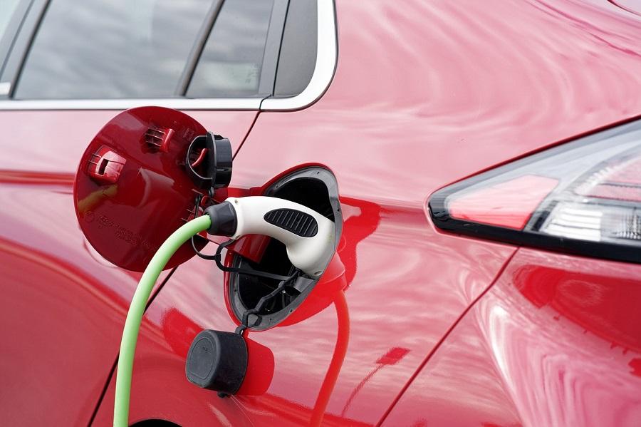 Urbaser y Endesa construyen una planta de reciclaje de baterías de coches eléctricos en León