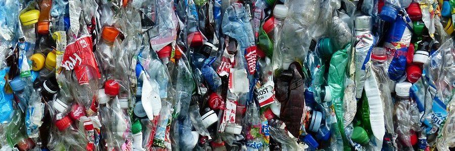 Changing Markets denuncia la «falsa solución» de reciclar botellas de plástico para confeccionar ropa